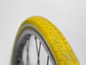 fahrradreifen-gelb